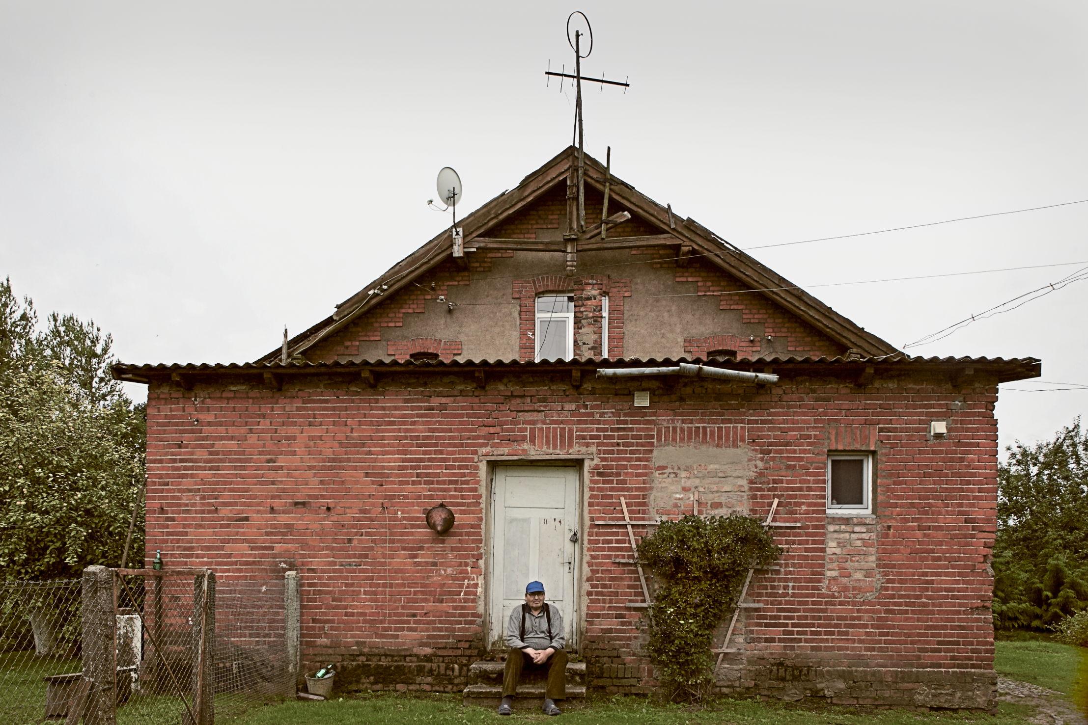01_arturas-valiauga_ilgesio-zeme_2012-17